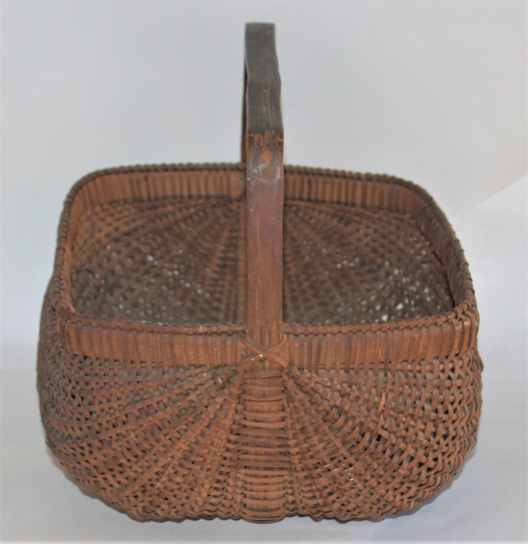 American 19th Century Early Tight Buttocks Basket For Sale