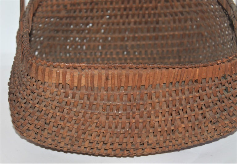 Hickory 19th Century Early Tight Buttocks Basket For Sale