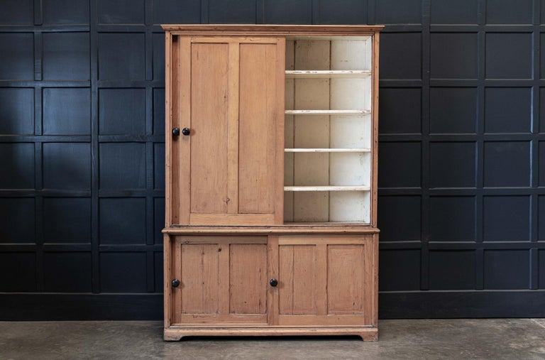 19thC English Large Pine Housekeepers Cupboard In Good Condition In Harrogate, GB
