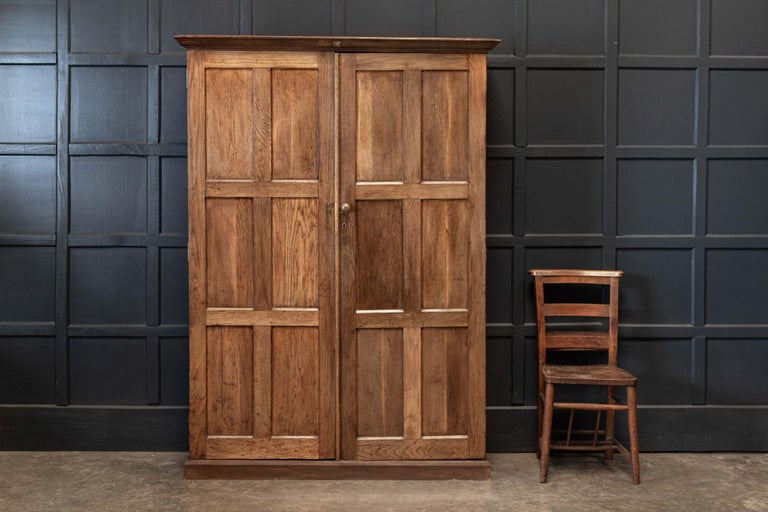 19thC English Oak Panelled Cupboard In Good Condition For Sale In Harrogate, GB