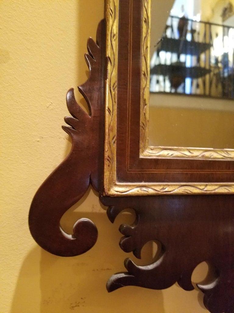 19th Century Federal Style Mirror with Gilt Detail & Églomisé For Sale 2