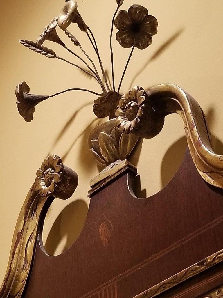 19th Century Federal Style Mirror with Gilt Detail & Églomisé For Sale 3