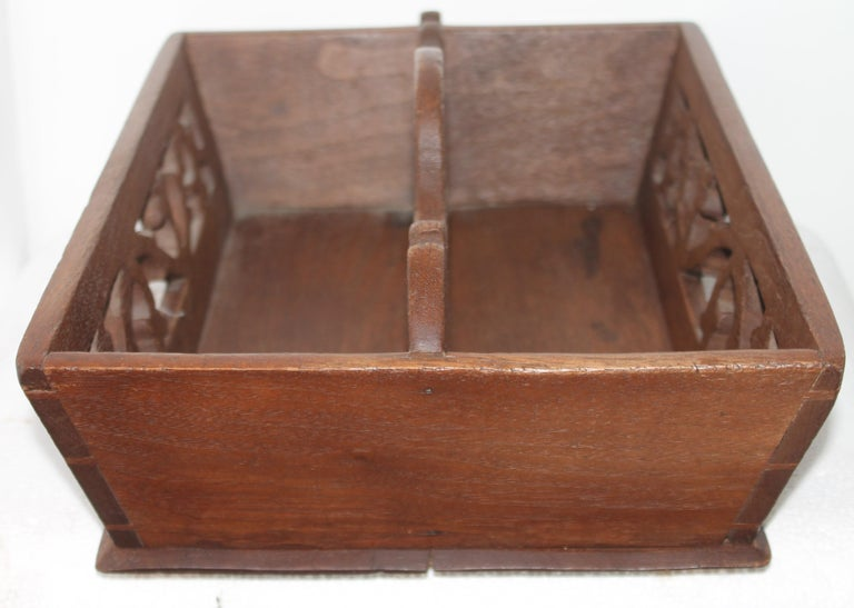 American 19thc Fine Dovetailed Cutlery Carrier For Sale