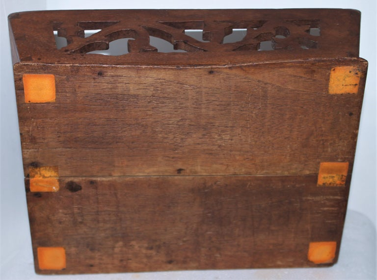 19thc Fine Dovetailed Cutlery Carrier In Good Condition For Sale In Los Angeles, CA