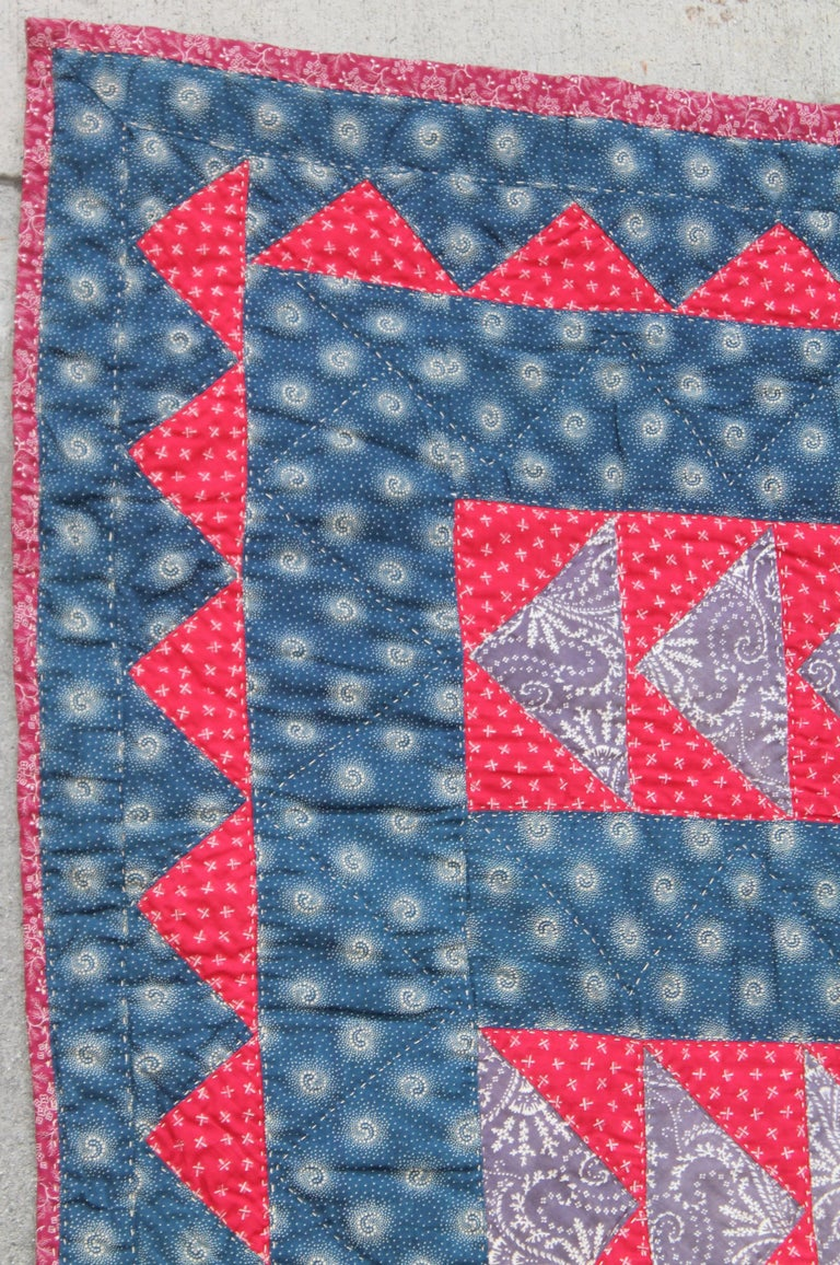 19Thc Flying Geese Quilt In Good Condition For Sale In Los Angeles, CA