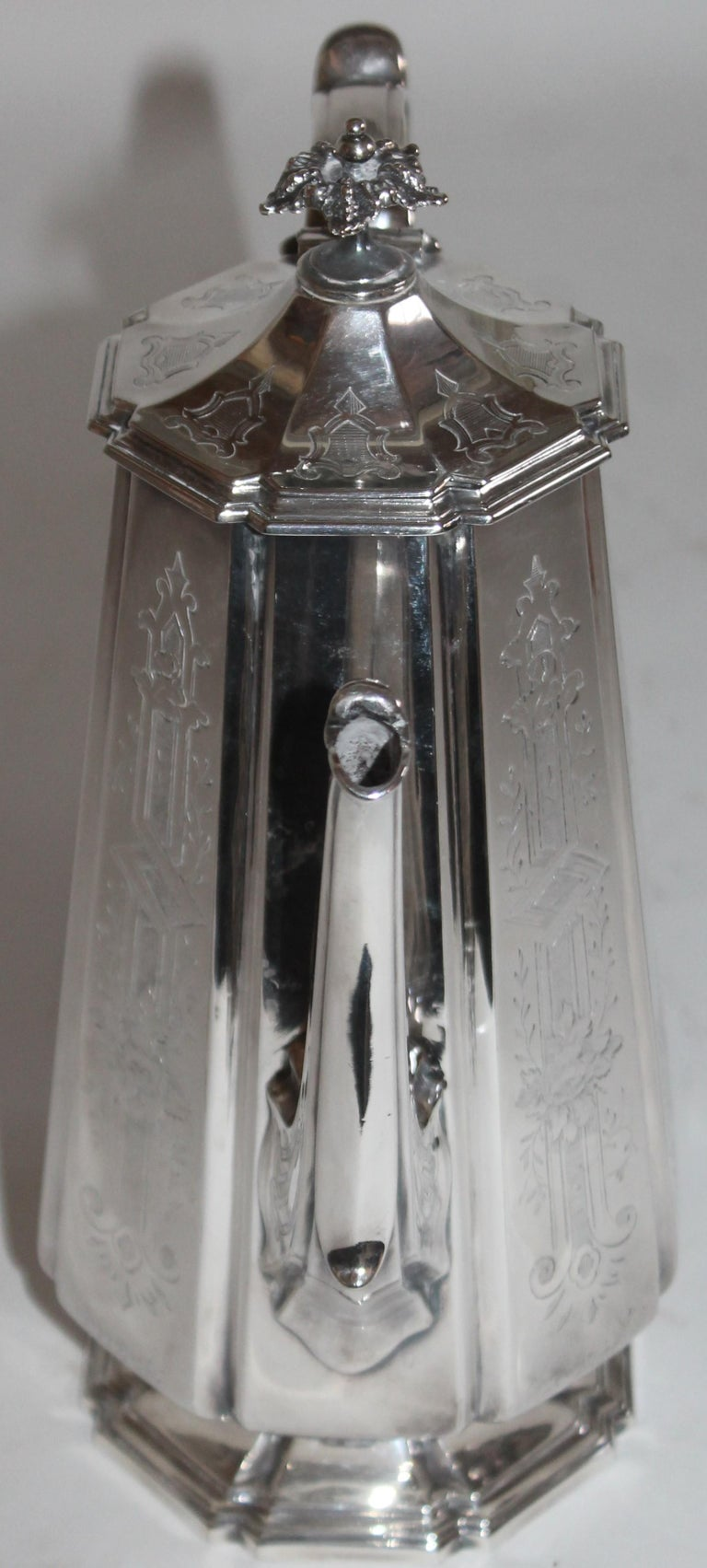 19th Century Heavy Silver Coffee Pot In Good Condition For Sale In Los Angeles, CA
