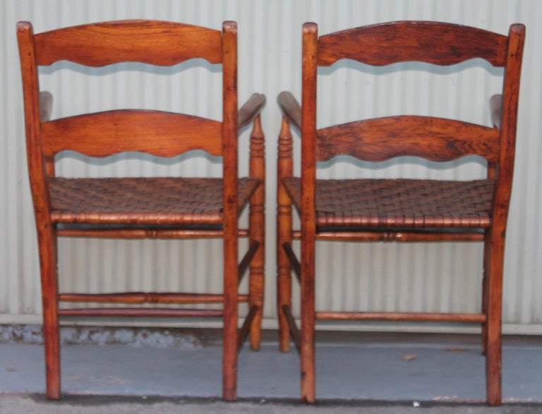 19th Century Hickory Chairs with Original Rush Seats, Pair For Sale 1