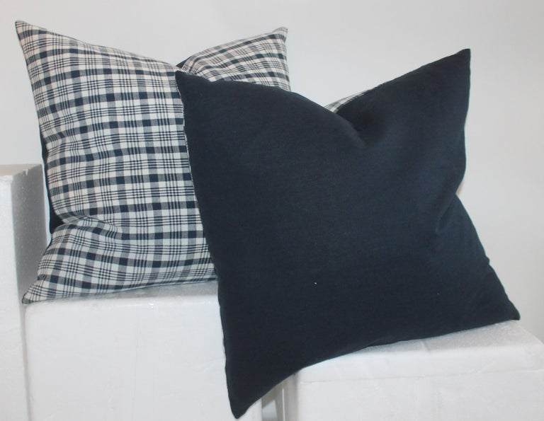 Hand-Crafted 19th Century Homespun Linen Blue and White Pillows, 2 Pairs For Sale