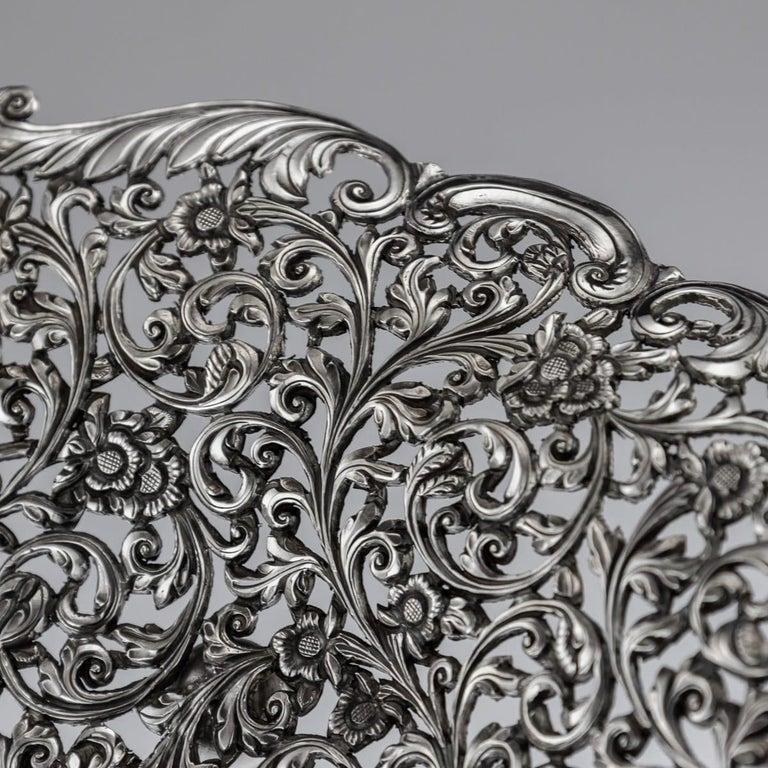 19th Century Indian Cutch Solid Silver Basket, circa 1880 For Sale 7