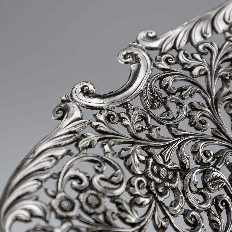 19th Century Indian Cutch Solid Silver Basket, circa 1880 For Sale 8