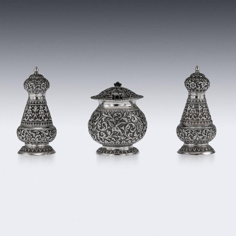 19th Century Indian Cutch Solid Silver Condiment Set, Oomersi Mawji, circa 1890 For Sale 2