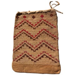 19th Century Native American Corn Husk Plateau Bag