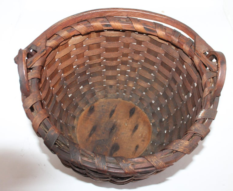 Hand-Crafted 19Thc New England Swing Handled Basket For Sale