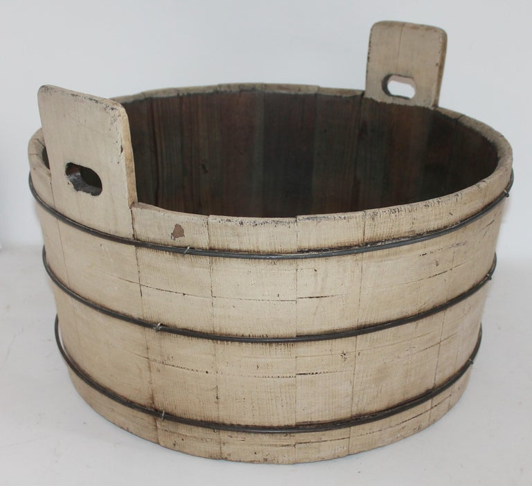 Country 19th Century Original Cream Painted Wash Tub For Sale