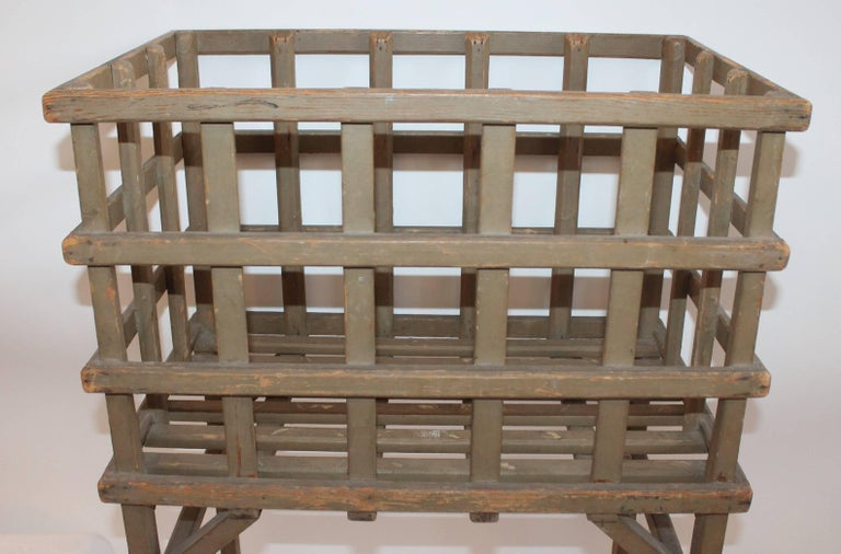 19th Century Original Painted Lattice Basket on Legs For Sale 1
