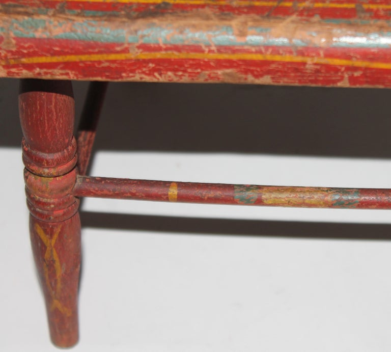 19thc Original Painted Miniature Settee From Pennsylvania In Good Condition For Sale In Los Angeles, CA