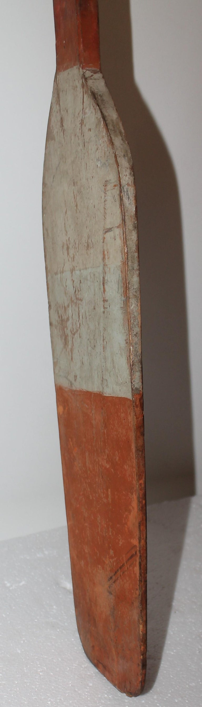 American 19thc Original Painted White & Orange Paddle For Sale