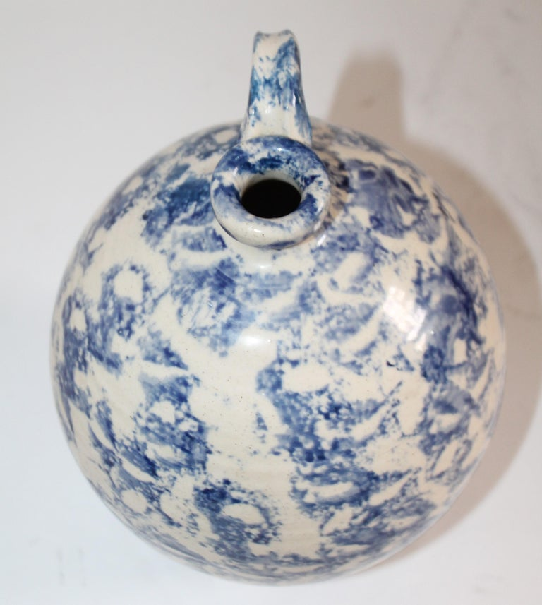 19th Century Rare Sponge Ware Pottery Jug In Good Condition For Sale In Los Angeles, CA