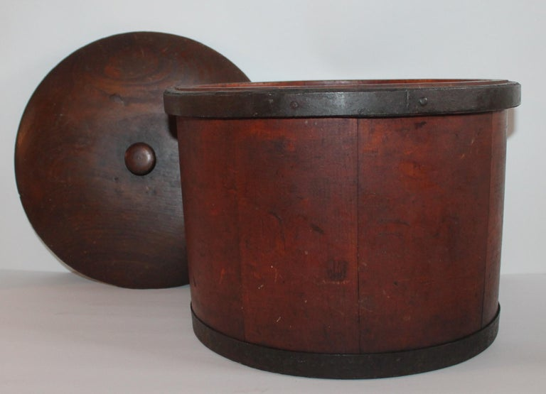 Hand-Crafted 19th Century Shaker Style Container with Lid For Sale