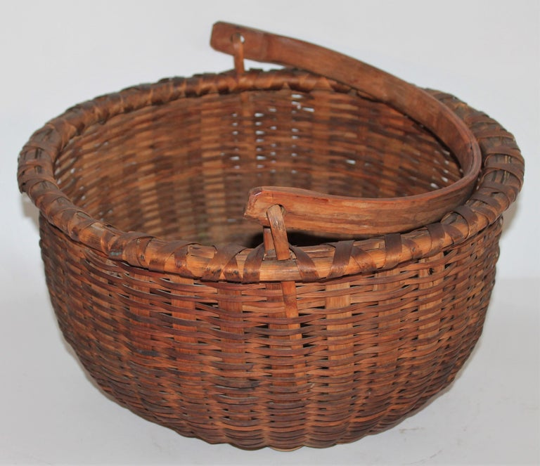 Country 19th Century Shaker Style Swing Handle Basket For Sale
