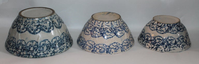 Country 19th Century Sponge Ware Bowls Collection of Three For Sale