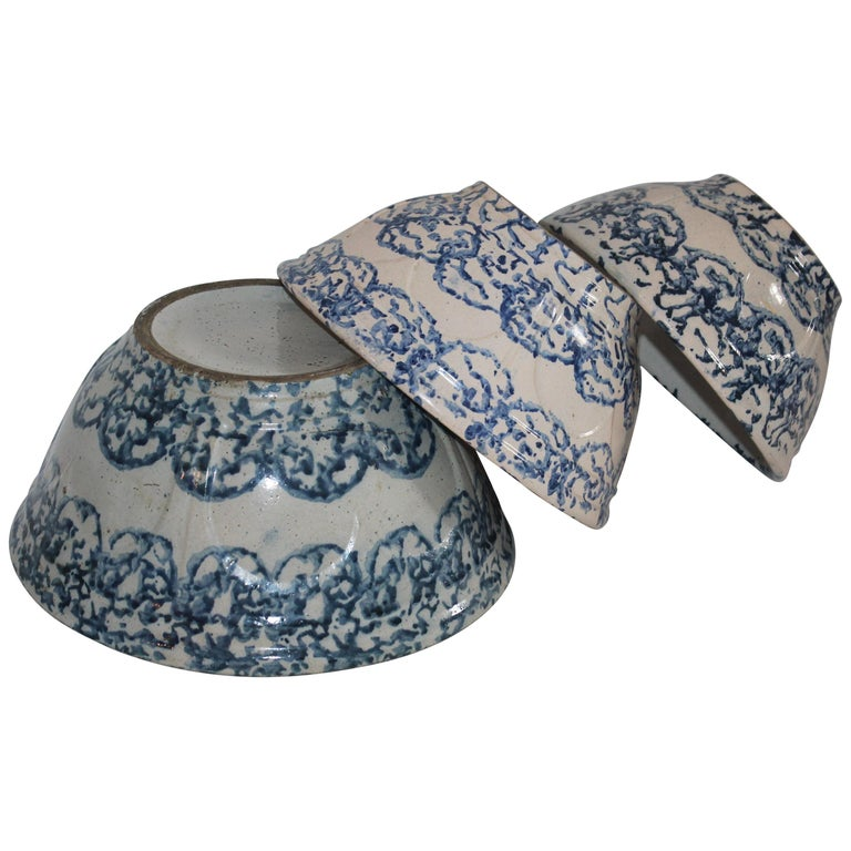 19th Century Sponge Ware Bowls Collection of Three For Sale