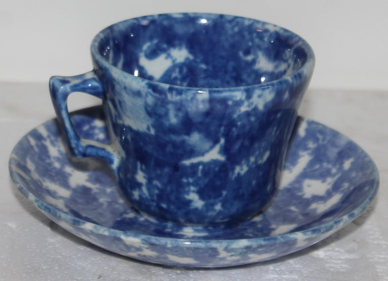 19thc Sponge Ware Cup and Saucers, Set of Four For Sale 3
