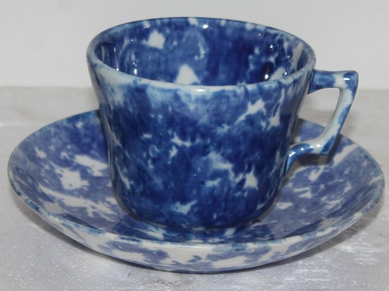 19thc Sponge Ware Cup and Saucers, Set of Four For Sale 5