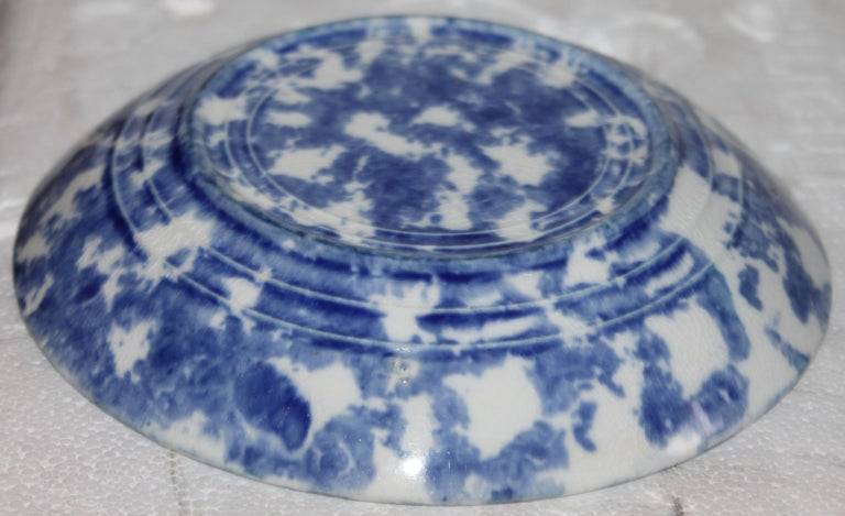 19thc Sponge Ware Cup and Saucers, Set of Four For Sale 1