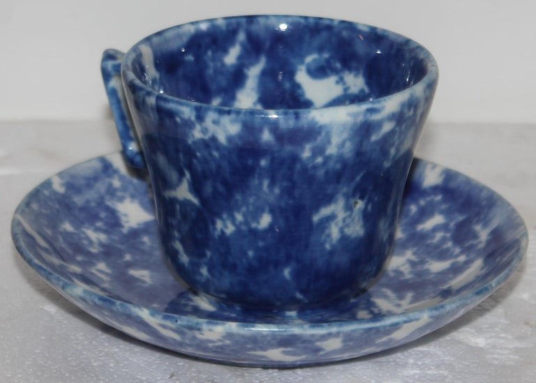 19thc Sponge Ware Cup and Saucers, Set of Four For Sale 2