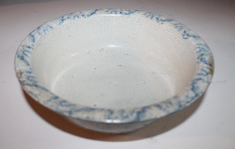 19th century spongeware pottery bowl in good condition. Great bake dish in good condition.