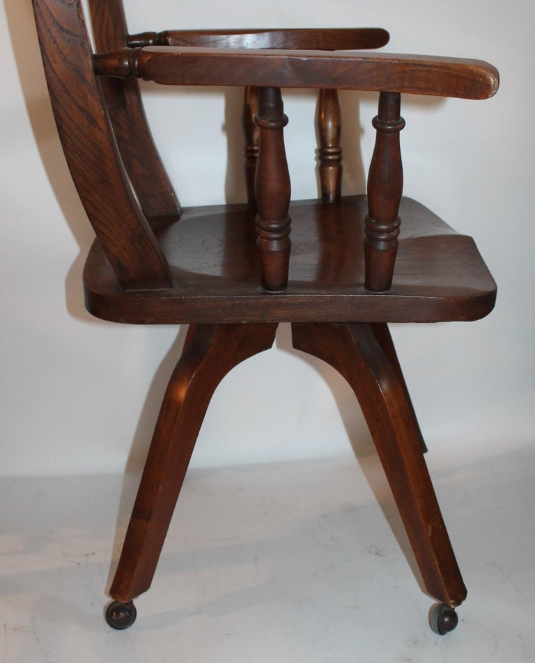 American 19th Century Walnut Office or Computer Chair For Sale