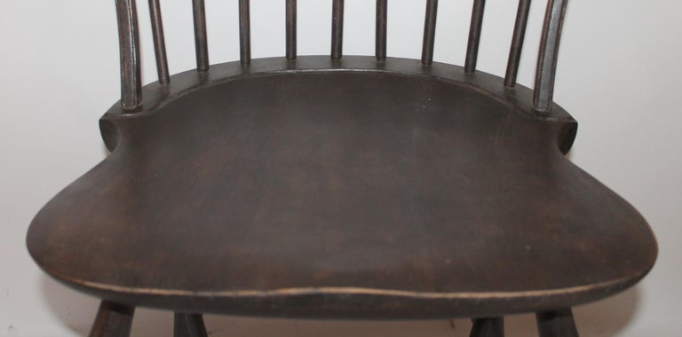 Hand-Crafted 19th Century Windsor Chair with Balloon Back For Sale