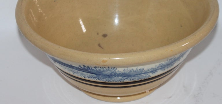 19th Century Yellow Ware in Seaweed Pattern Mixing Bowls, Pair For Sale 3