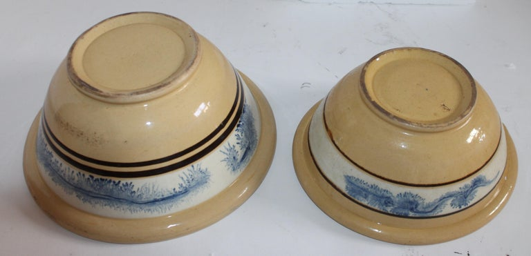 19th Century Yellow Ware in Seaweed Pattern Mixing Bowls, Pair For Sale 6