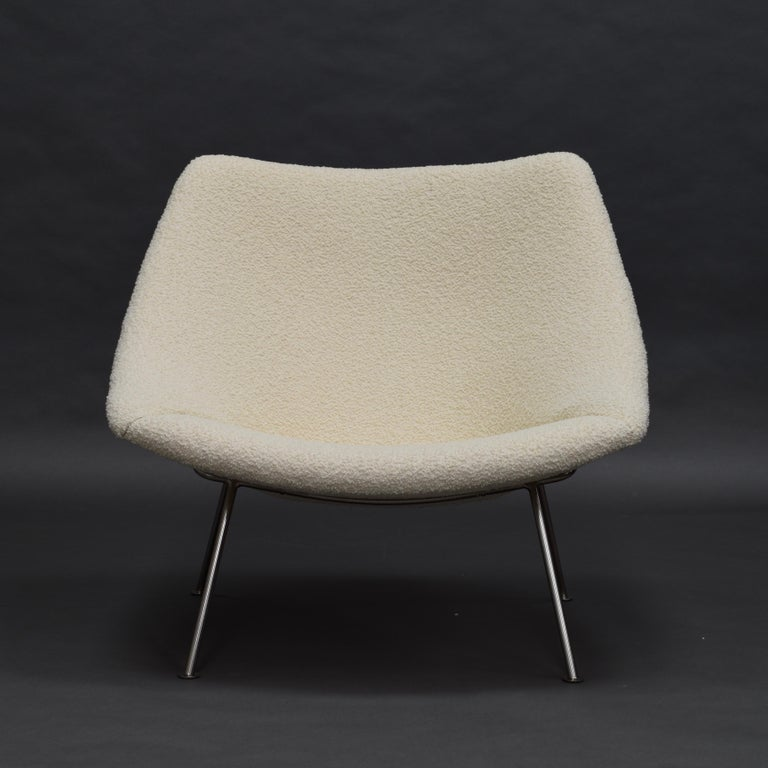 Mid-Century Modern 1st Edition Oyster Lounge Chair by Pierre Paulin Artifort New Upholstery, 1965