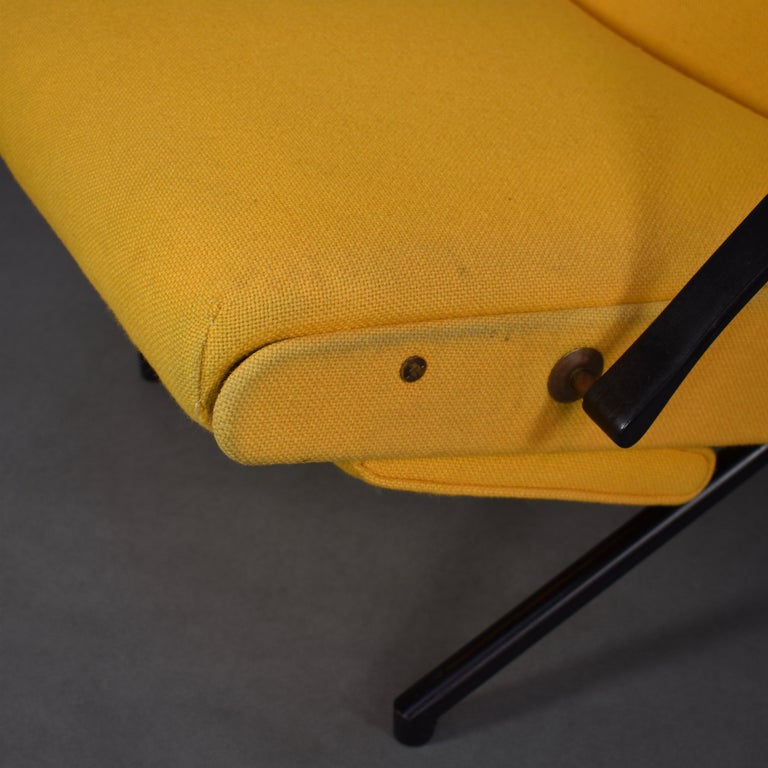 First Edition P40 Lounge Chair by Borsani for Tecno, Italy, circa 1950 For Sale 3