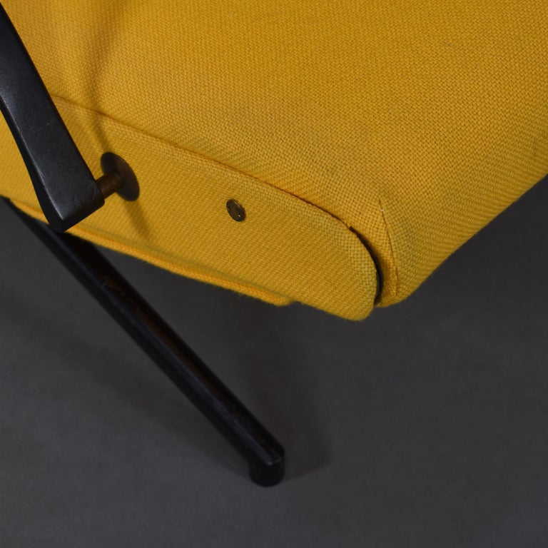 First Edition P40 Lounge Chair by Borsani for Tecno, Italy, circa 1950 For Sale 4