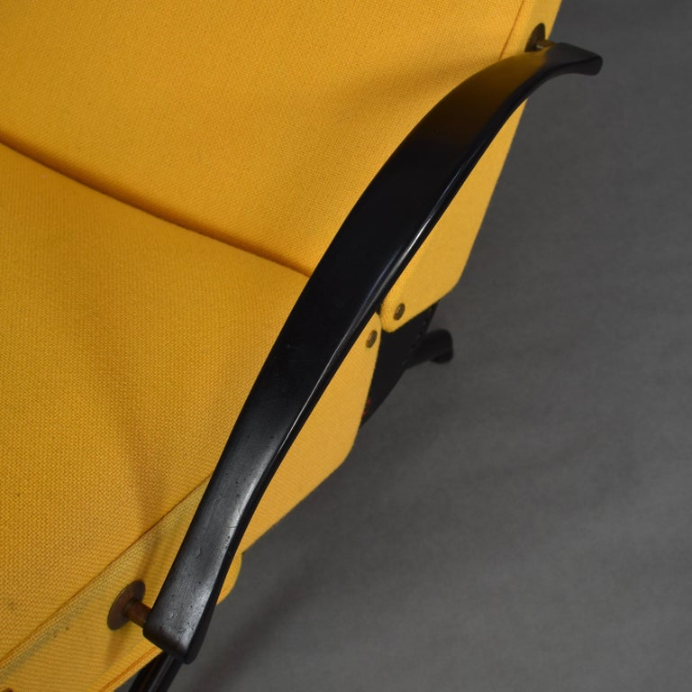 First Edition P40 Lounge Chair by Borsani for Tecno, Italy, circa 1950 For Sale 6