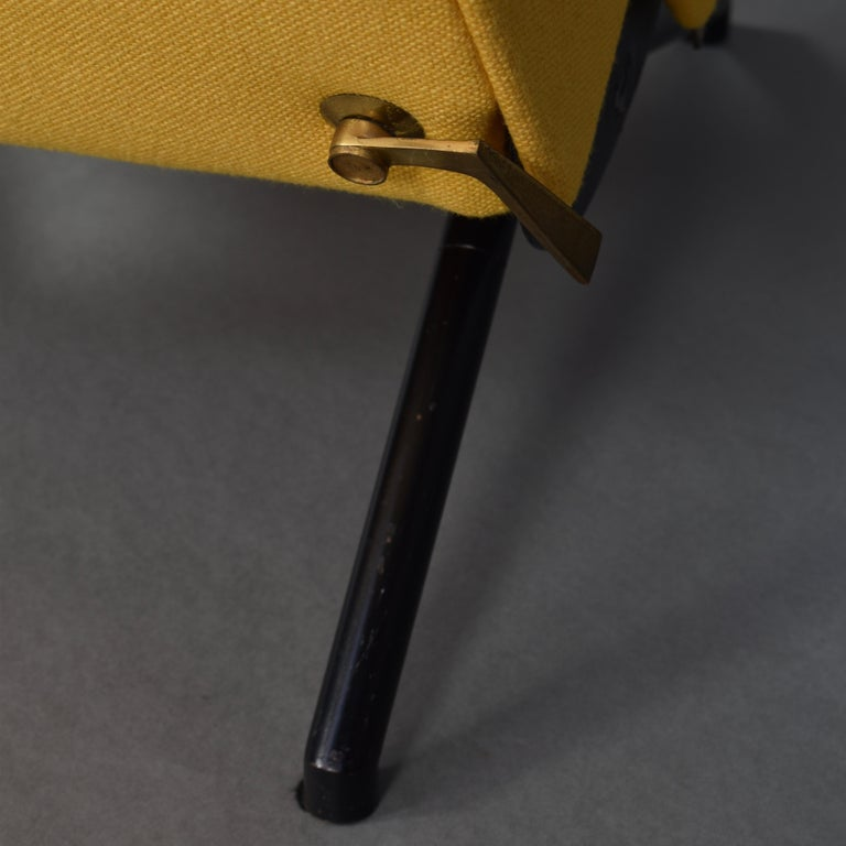 First Edition P40 Lounge Chair by Borsani for Tecno, Italy, circa 1950 For Sale 9