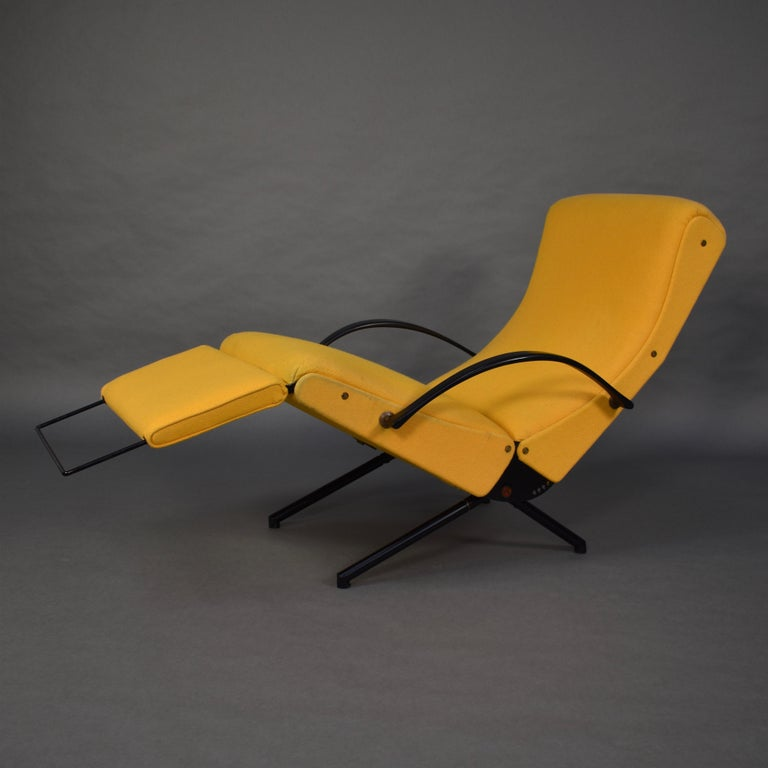 Italian First Edition P40 Lounge Chair by Borsani for Tecno, Italy, circa 1950 For Sale