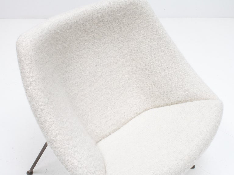 1st Edition Pierre Paulin F156 'Little Oyster' Lounge Chair in Pierre Frey 1960s For Sale 4