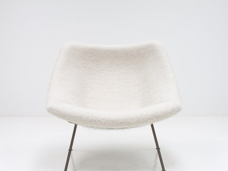 Mid-Century Modern 1st Edition Pierre Paulin F156 'Little Oyster' Lounge Chair in Pierre Frey 1960s For Sale