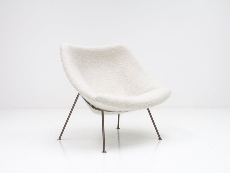 Dutch 1st Edition Pierre Paulin F156 'Little Oyster' Lounge Chair in Pierre Frey 1960s For Sale