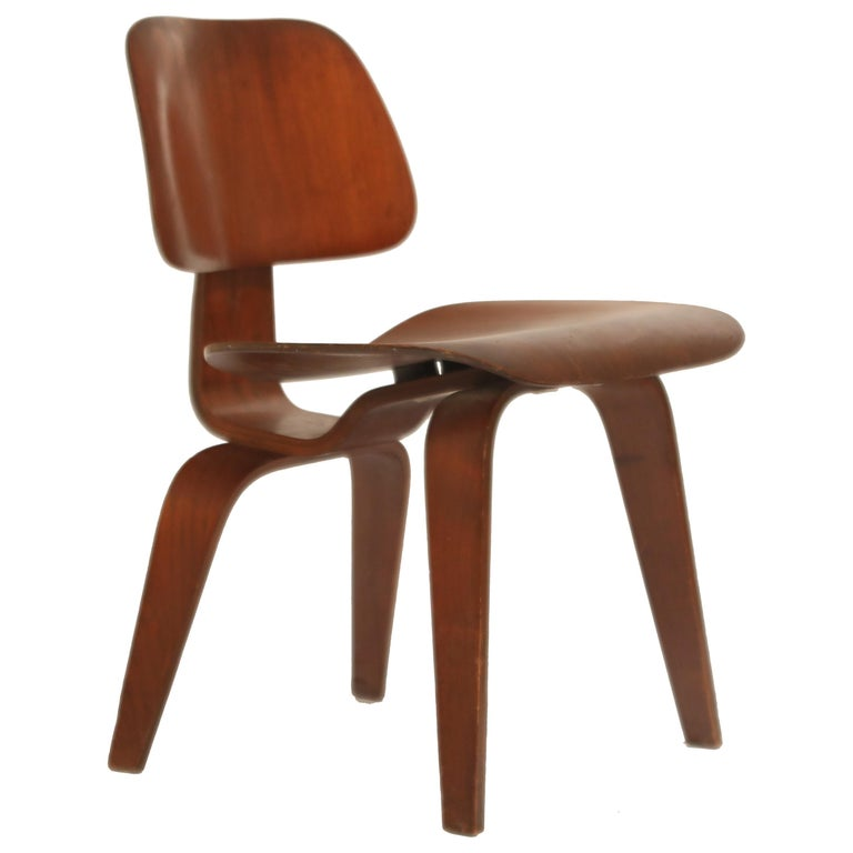 1st Generation Charles Eames for Evans Products Company DCW Chair, 1947, Signed For Sale
