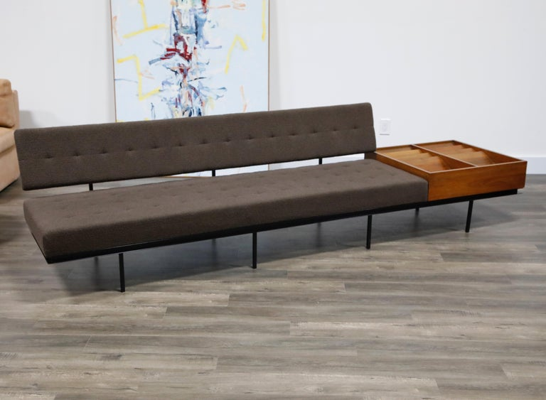 1st Generation Florence Knoll Model #578 Sofa by Knoll Associates, 1950s, Signed In Good Condition For Sale In Los Angeles, CA