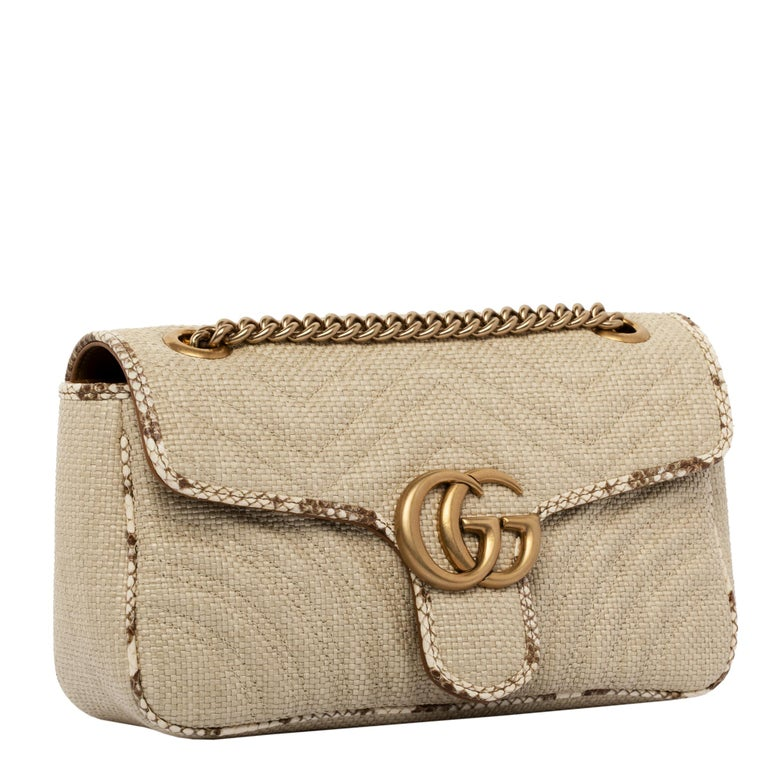 1stdibs Exclusives From Three Over Six  Brand: Gucci Style: Marmont Size: 16 H x 26 W x 7.5 D cm Chain: 54 cm Color: Nautral  Leather: Wicker & Python Trim Hardware: Antique Gold Collection: 2020  Condition: Pristine, never carried: The item has