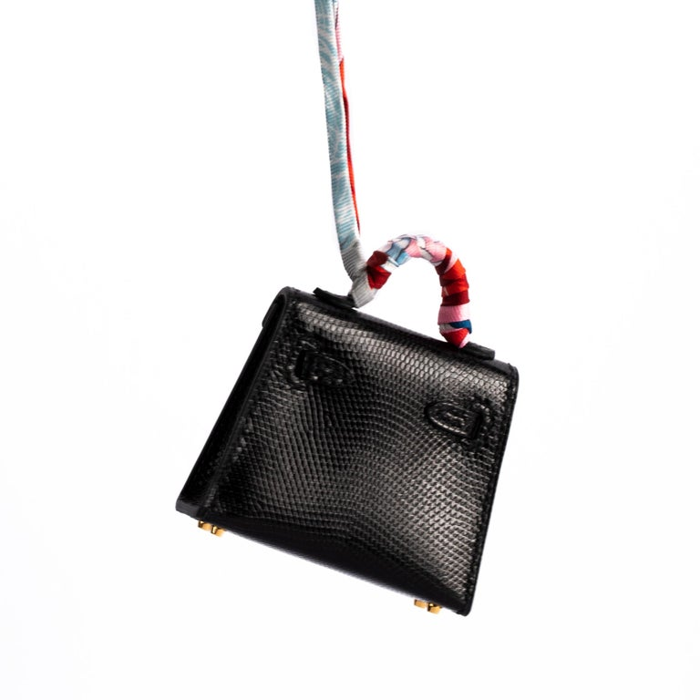 1stdibs Exclusive Hermès Kelly Charm Black Lizard Gold Hardware In New Condition For Sale In Sydney, New South Wales