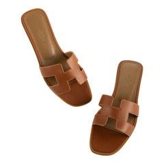 1stdibs Exclusive Hermes Oran Sandal Gold Size 39FR