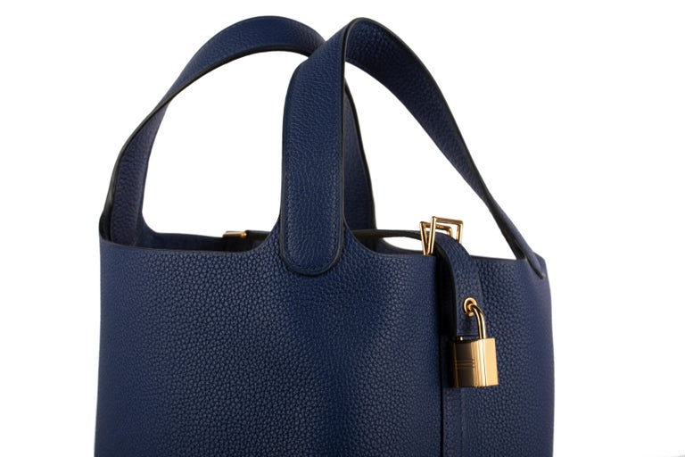 Women's or Men's 1stdibs Exclusive Hermes Picotin 18cm Blue Saphir Clemence Gold Hardware For Sale